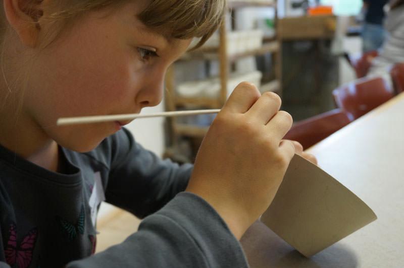 Gestalten von eigenen Windlichtern aus Porzellan