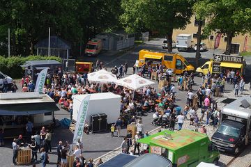 Kunsthandwerkermarkt Handgemacht mit Food Truck Festival 2018