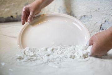 Glasieren von Porzellan