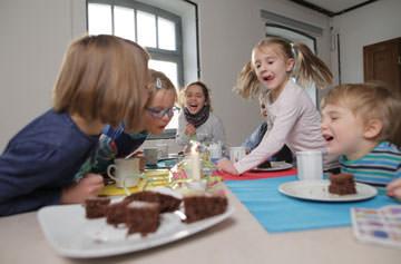 Kreativität und Spaß bei unseren Kindergeburtstagen im Porzellanikon Selb